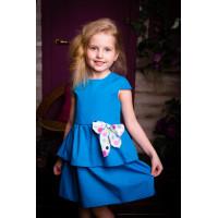 Детское платье и воланами  маленькм рукавчиком
